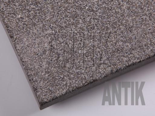 Gabbro Bodenplatten Antik Nero kugelgestrahlt 300x300x30