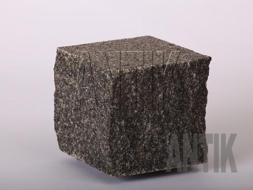 Gabbro Pflastersteine Antik Nero gesägt und gespalten 100x100x100