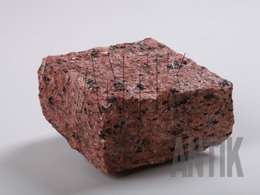 Granit Pflastersteine Maple Red gespalten 100x100x50