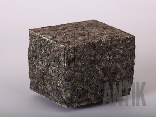 Granit Pflastersteine Rogovske gesägt und gespalten 100x100x100