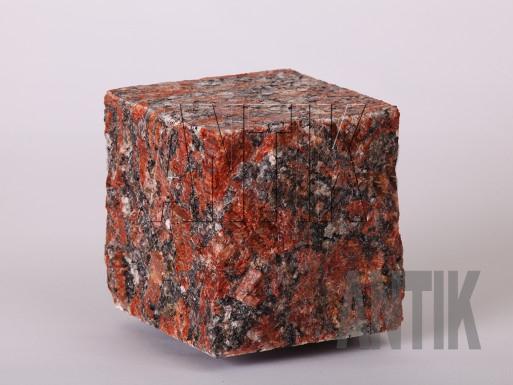 Granit Pflastersteine Rosso Santiago gesägt und gespalten 100x100x100