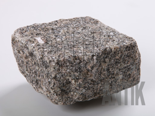 Granit Pflastersteine Tansky gespalten 100x100x50
