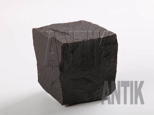 Брусчатка Базальт колотая (Berestovetske) 100x100x100
