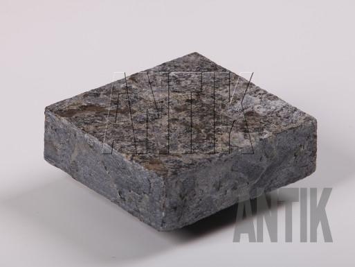 Брусчатка Лабрадорит пиленая Осныковское (Irina Blue) 100x100x30