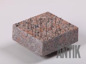 Брусчатка гранит пиленая Новоданиловское (Withered) 100x100x30