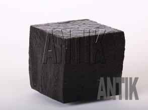 Брусчатка Базальт пилено-колотая (Berestovetske) 100x100x100 (мокрая)