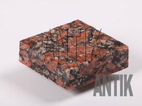 Брусчатка гранит пиленая Капустинское (Rosso Santiago) 100x100x30 (мокрая)