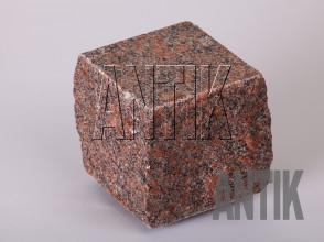 Брусчатка гранит пилено-колотая Новоданиловское (Withered) 100x100x100