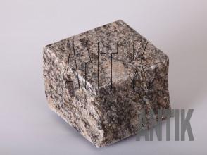 Брусчатка гранит пилено-колотая Софиевское (Sophiyvsky) 100x100x100