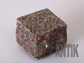 Брусчатка гранит пилено-колотая Васильевское (Ukrainian Autumn) 100x100x100