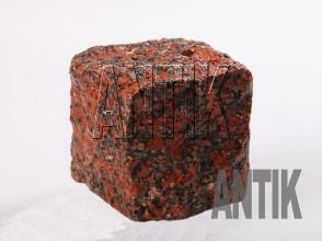 Брусчатка гранит колотая Капустинское (Rosso Santiago) 100x100x100 (мокрая)