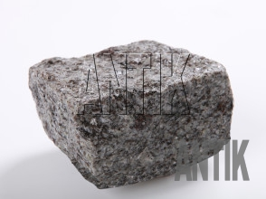 Брусчатка колотая гранит Константиновское (Kostyantynivsky) 100x100x50 (мокрая)