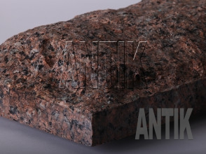 Плита скала Межиричское Гранит 400x200x60 (фактура)