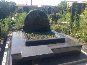 Надгробие №101
