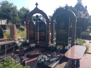 Надгробие №114