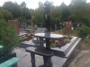Надгробие №144