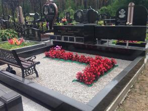 Надгробие №179