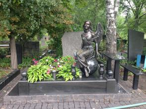 Надгробие №185