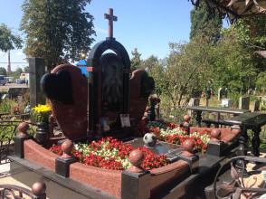 Надгробие №186