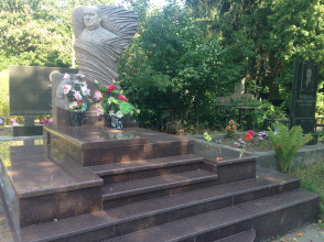 Надгробие №97